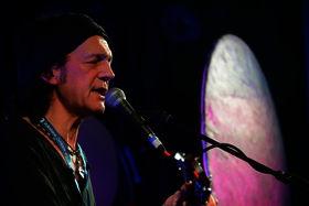 Wolf Maahn beim 8. Blomberger Songfestival (Foto Karl-Heinz Krull)